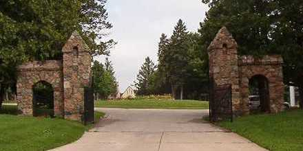 GATE, ENTRANCE - Black Hawk County, Iowa | ENTRANCE GATE