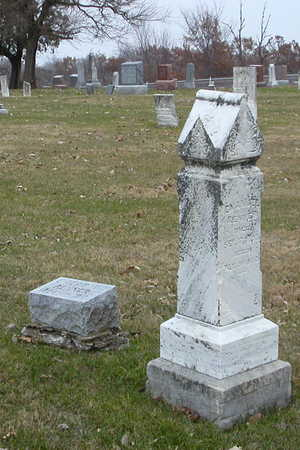RENNER, EMANUEL'S AND ELIZABETH'S MARKERS - Decatur County, Iowa | EMANUEL'S AND ELIZABETH'S MARKERS RENNER