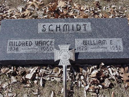 SCHMIDT, WILLIAM E. & MILDRED - Floyd County, Iowa | WILLIAM E. & MILDRED SCHMIDT
