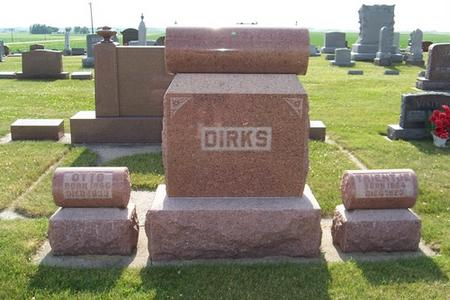 DIRKS, TRIENTJE