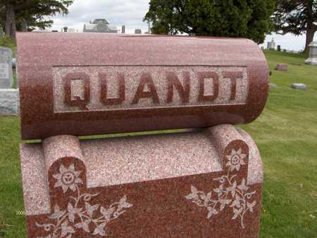 QUANDT, FAMILY MONUMENT - Jones County, Iowa | FAMILY MONUMENT QUANDT