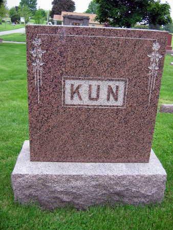 KUN, FAMILY STONE - Linn County, Iowa   FAMILY STONE KUN