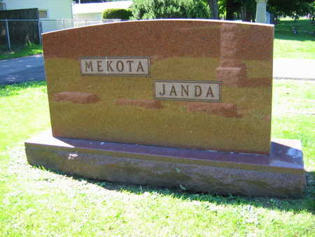 MEKOTA JANDA, FAMILY STONE - Linn County, Iowa | FAMILY STONE MEKOTA JANDA