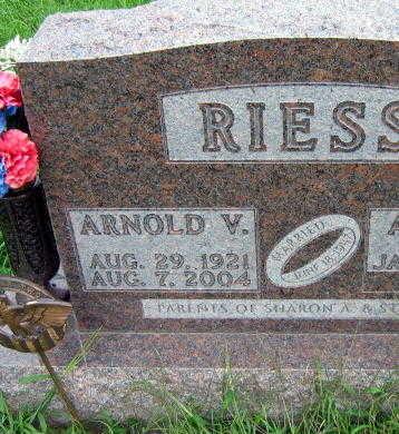 RIESS, ARNOLD V. - Linn County, Iowa | ARNOLD V. RIESS