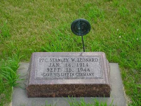 LEONARD, STANLEY W. - Pottawattamie County, Iowa | STANLEY W. LEONARD