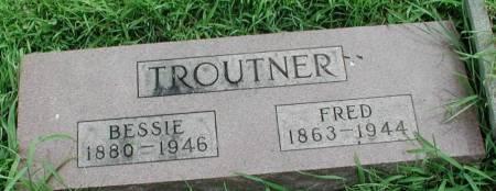 TROUTNER, BESSIE & FRED - Story County, Iowa   BESSIE & FRED TROUTNER